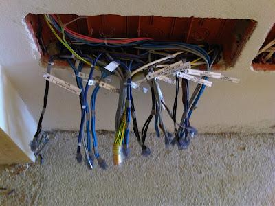 Impianti elettrici brogi livio collegamenti nelle scatole - Impianti di allarme per casa ...