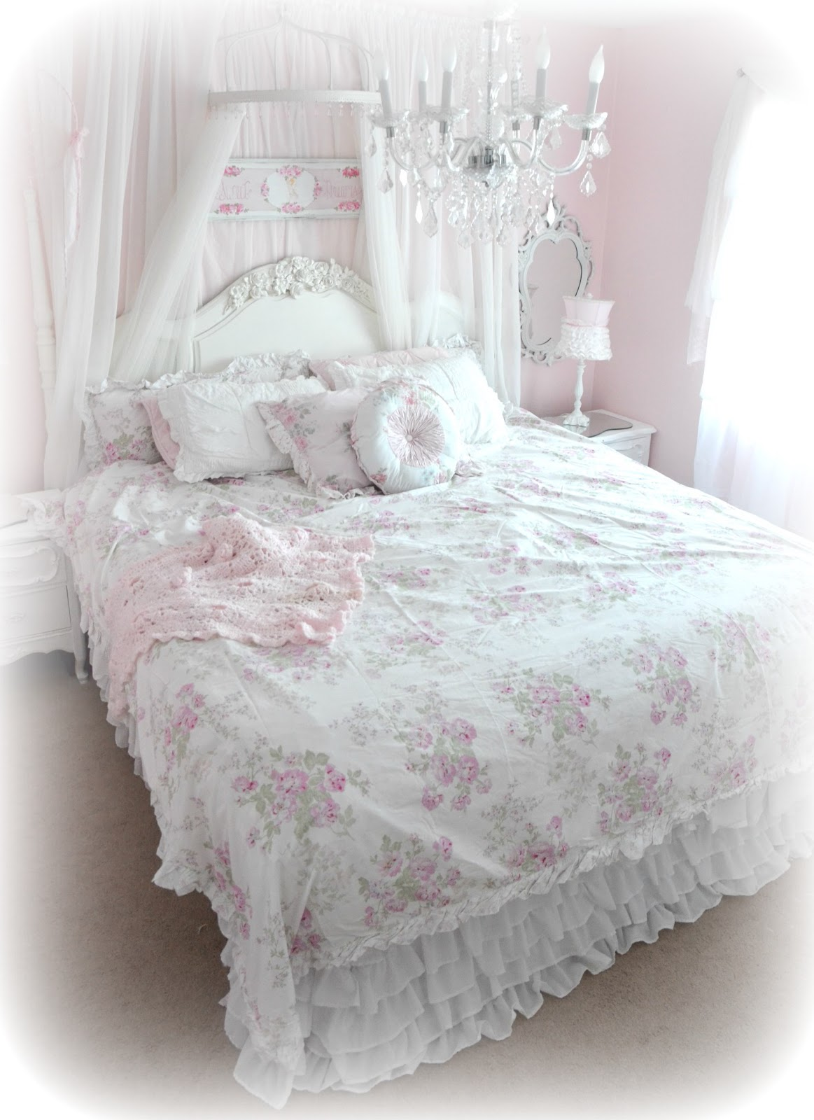 Not so shabby shabby chic new simply shabby chic bedding for Shabby chic bett