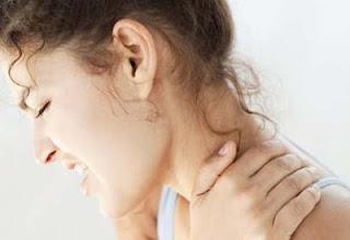 Mengatasi Sakit Leher Salah Tidur