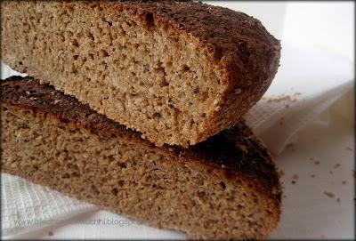 chleb żytni, chleb żytni na zakwasie, przepis na chleb żytni, melasa, czarnuszka