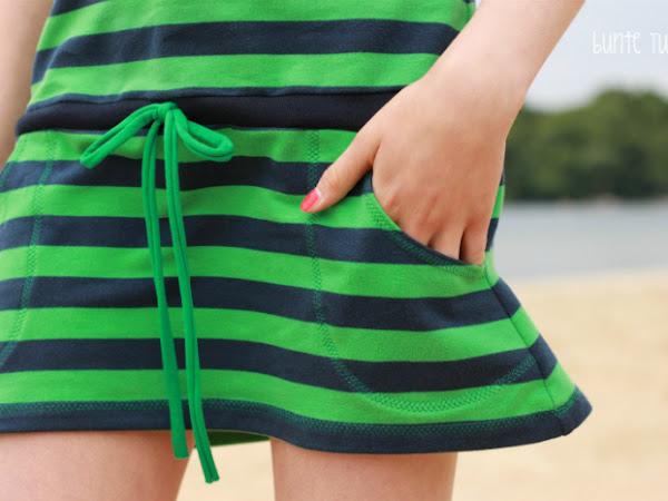 Strandkleid wartet auf den Sommer