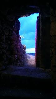 Una puerta abierta para salir de la cueva