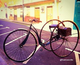 triciclo, bicicleta, antiguo, ruedas, tres