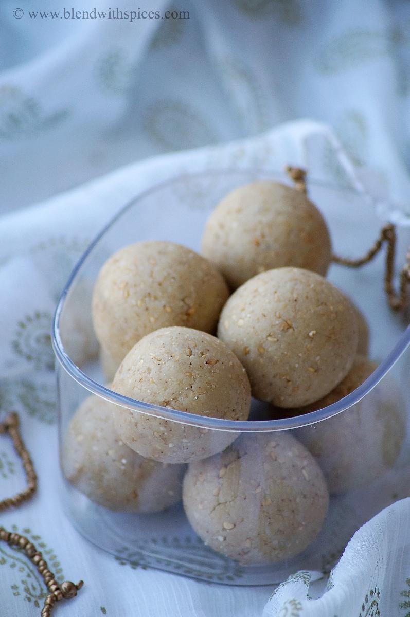 mawa til laddu, sesame khoya laddu recipe, khoya sweets recipes