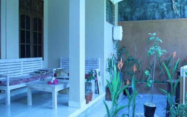 Ponduk Muwa Merupakan Hostel Yang Letaknya Dekat Dengan Istana Ubud 05km Dan Pasar Di Sana Juga Terdapat Beberapa Fasilitas Seperti Loker