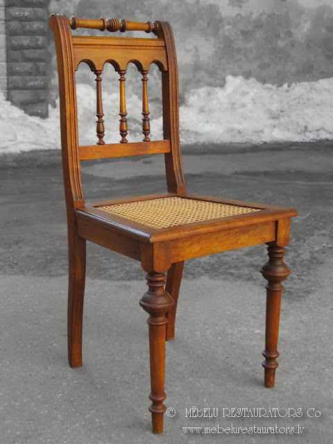 Restaurēts krēsls ar rotangpalmas pinumu 2