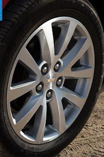 chevrolet malibu car 2012 tyres/wheels - صور اطارات سيارة شيفروليه ماليبو 2012