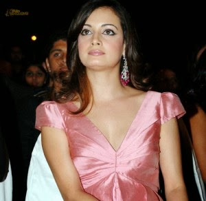 Dia Mirza Biography With Hot Sexy Weight, Height, Bra Size, Age And Body Figure Measurements