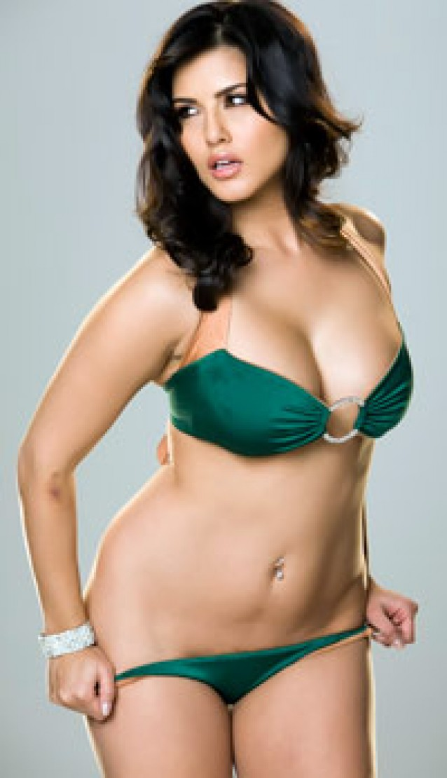 Kashmira Shah Wallpapers: Awesome Sunny Leone New Bold Avatar