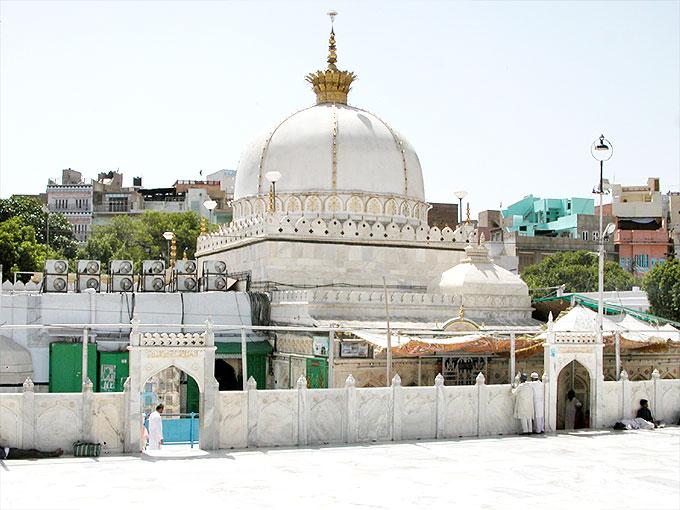 Khawaja Gharibnawaz - Khawaja Gharibnawaz Dargah Ajmer