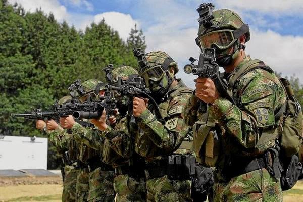 FARC y Santos destruirán las Fuerzas Militares