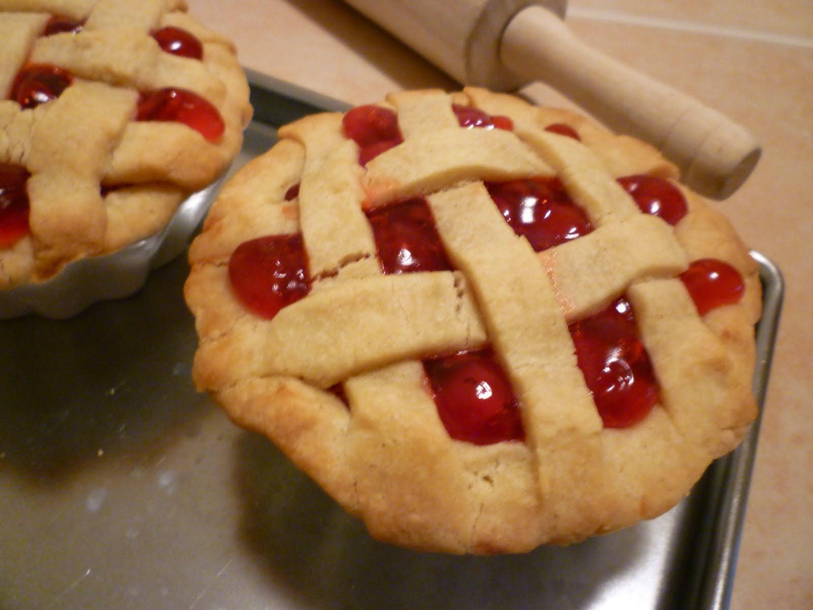 YummyAllergenFree: Mini Cherry Pies: Gluten Free and Vegan