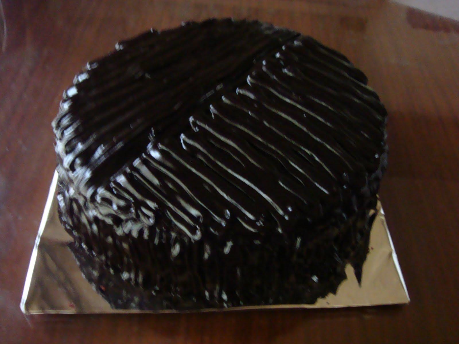 Goldilocks Chocolate Cake Images : yencakes: Moist Chocolate Cake with Coffee Caramel Filling
