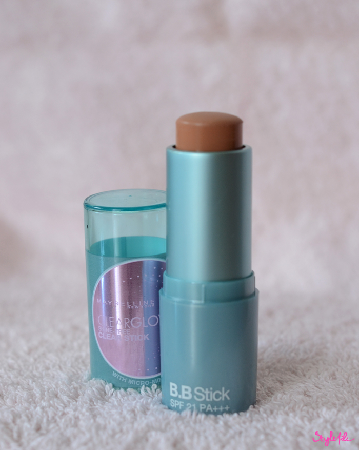 The Maybelline clearglow bb stick which is the first of its kind bb cream in a stick form offers great coverage which can be built up, feels natural on the face, has SPF 21 for sun protection without any white cast and is an affordable daily cosmetic