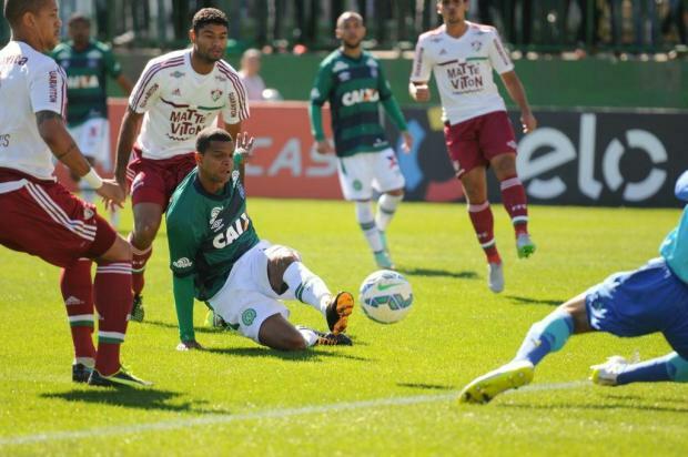 Fluminense é chapecado pela arbitragem e sai do G4