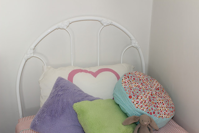 vintage wrought iron girls bed