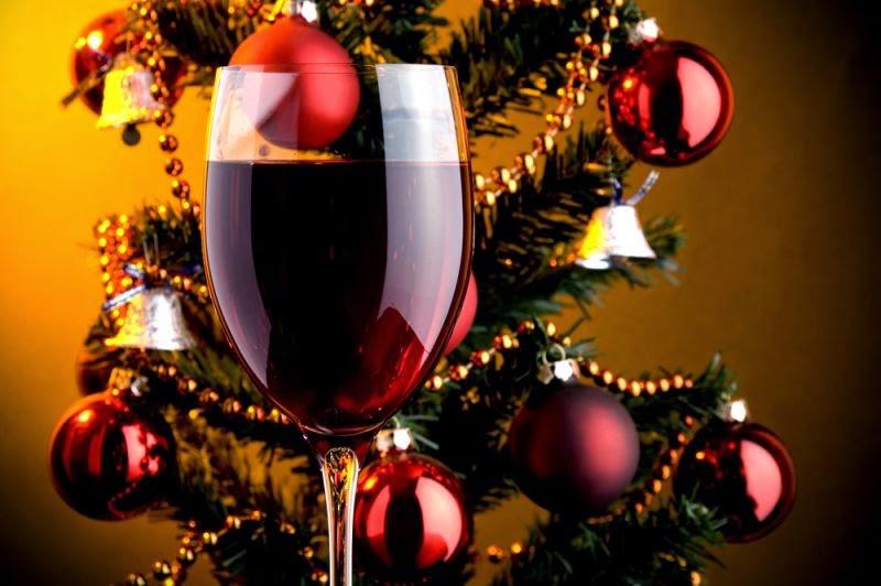top five eventi enogastronomia Dicembre: Le luci della festa e il profumo dei caminetti per strada risvegliano i sensi per le degustazioni