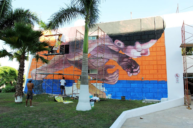While we last heard from him in Buenos Aires last month, Ever is now also in Mexico painting on the streets of Cozumel.