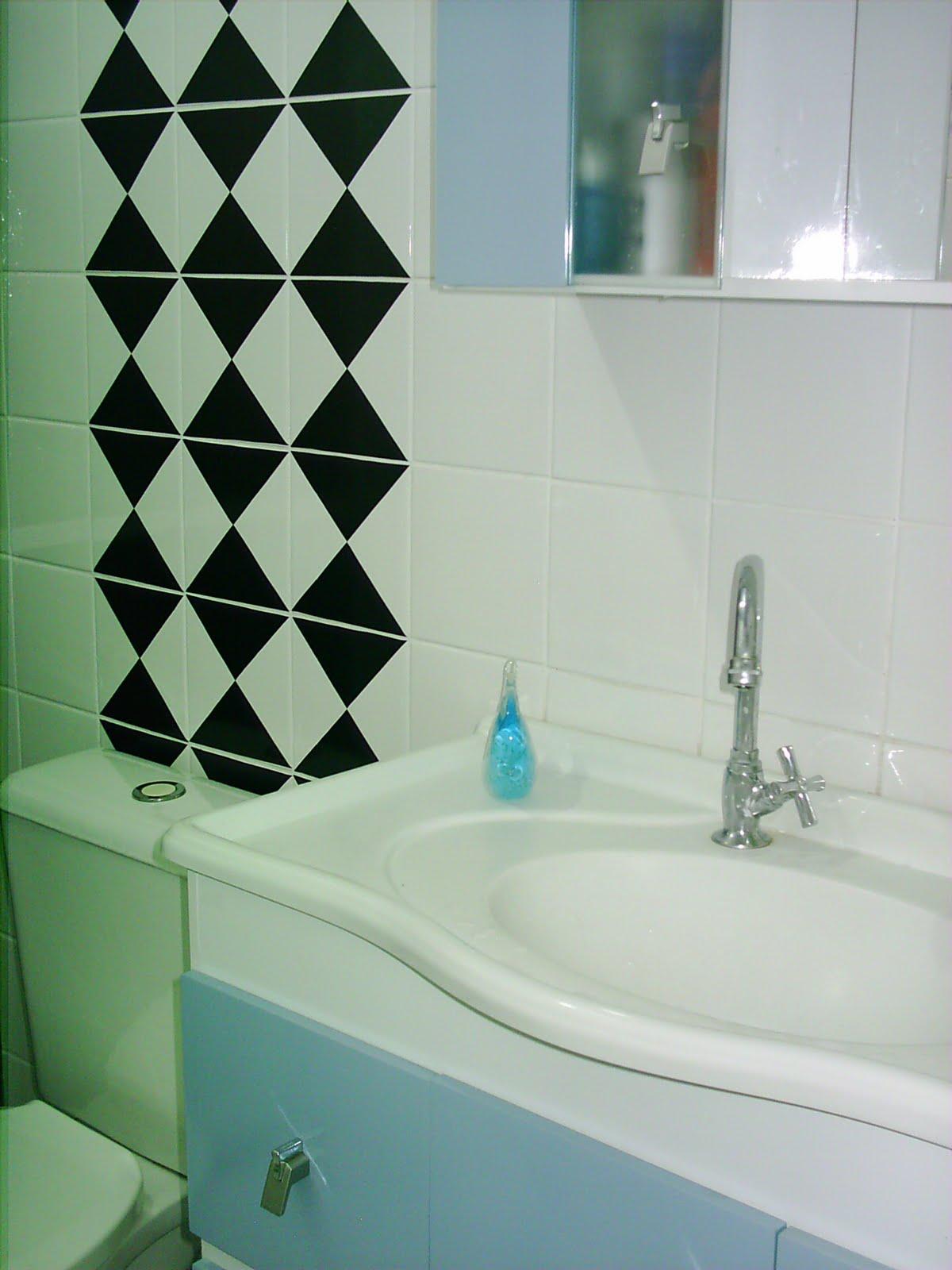 que parei de criar coisas aqui em casa. No banheiro resolvi fazer  #0D1A11 1200x1600 Banheiro Antigo O Que Fazer