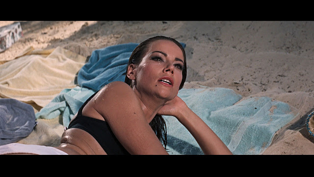 Claudine Auger Thunderball6