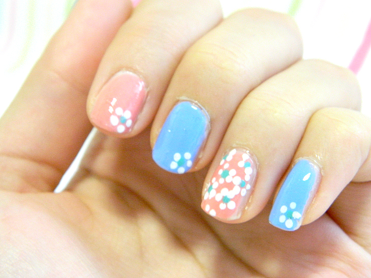 Pink & Blue Daisy Nails