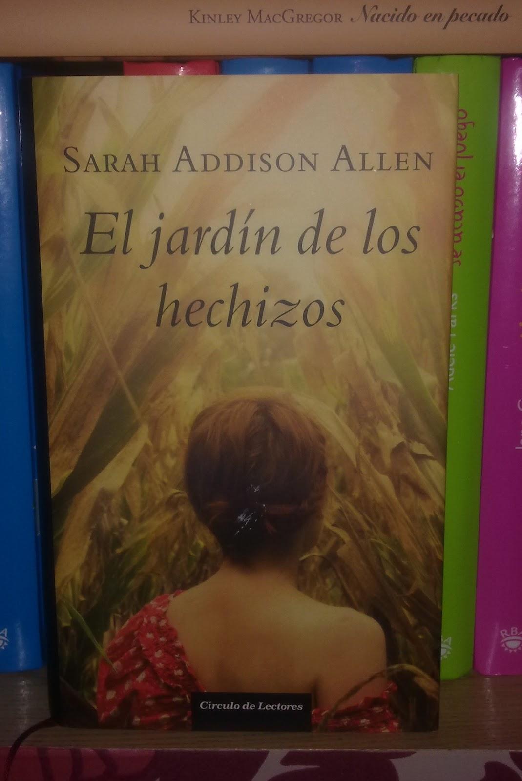 In s y sus libros el jard n de los hechizos de sarah for El jardin de los libros