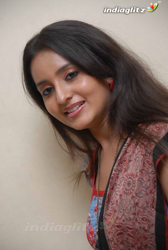 Bhamasexy seth Indian actress hot boob cleavage showseducing armpitssexy body showexclusive gallery by the Malayalam Tamil actress hot photos
