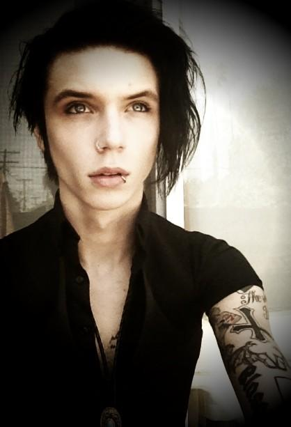 posted by andy biersack jinxx etiquetas andy biersack fotos gif photosAndy Biersack 18