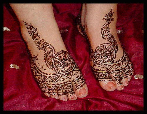 Simple Mehndi On Feet : Feet mehndi designs for women desings