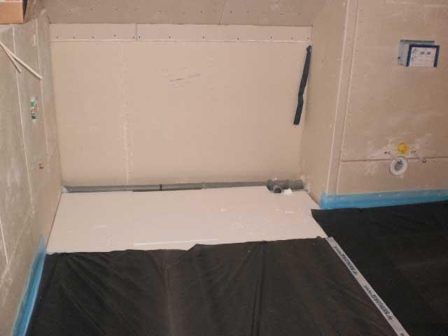 wir bauen f r die katz woche 4 der estrich ist drin. Black Bedroom Furniture Sets. Home Design Ideas
