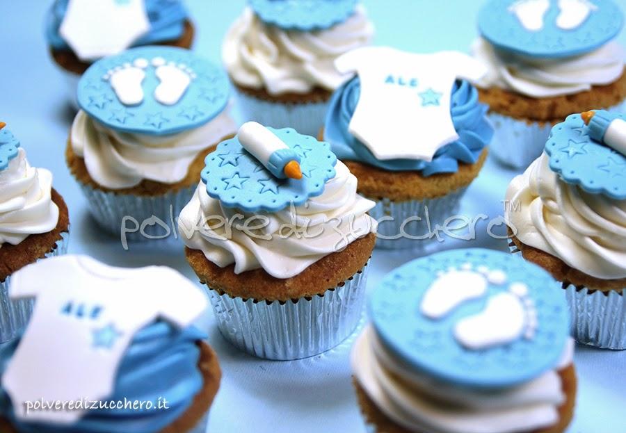 cupcakes decorati bebè: biberon, piedini e body