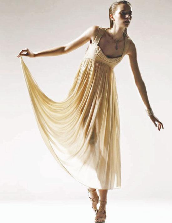 Bottega Veneta dress in L'Officiel Serbia April 2008 (photography: Jon Compson, styling: Vanessa Bellugeon)