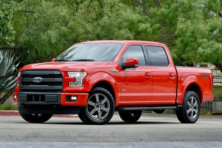 Ford F-150 Lariat SuperCrew (2015) Front Side