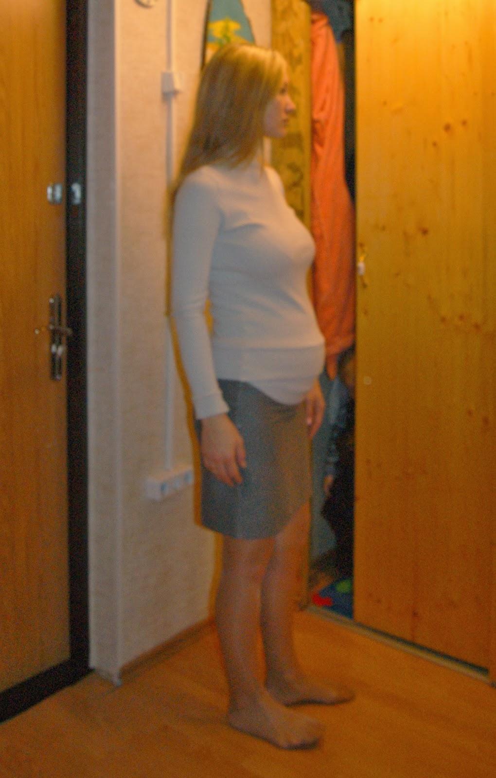 Сестренка в мини юбки 30 фотография