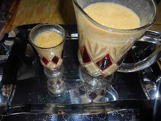 عصير الكرعة الحمراء مع الحليب