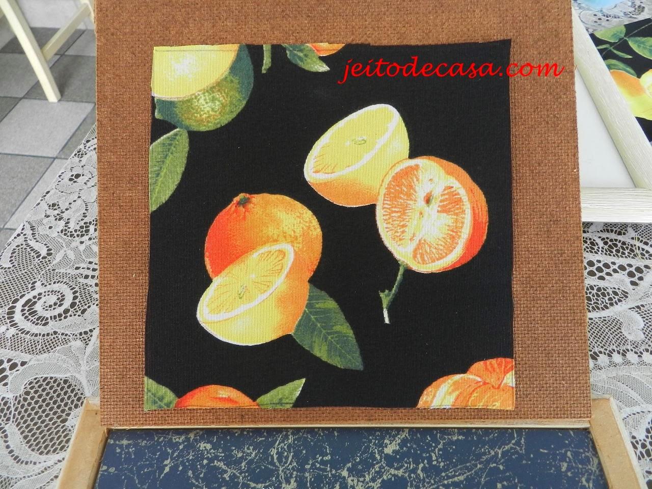 tecido decorativo com estmapa de frutas citricos