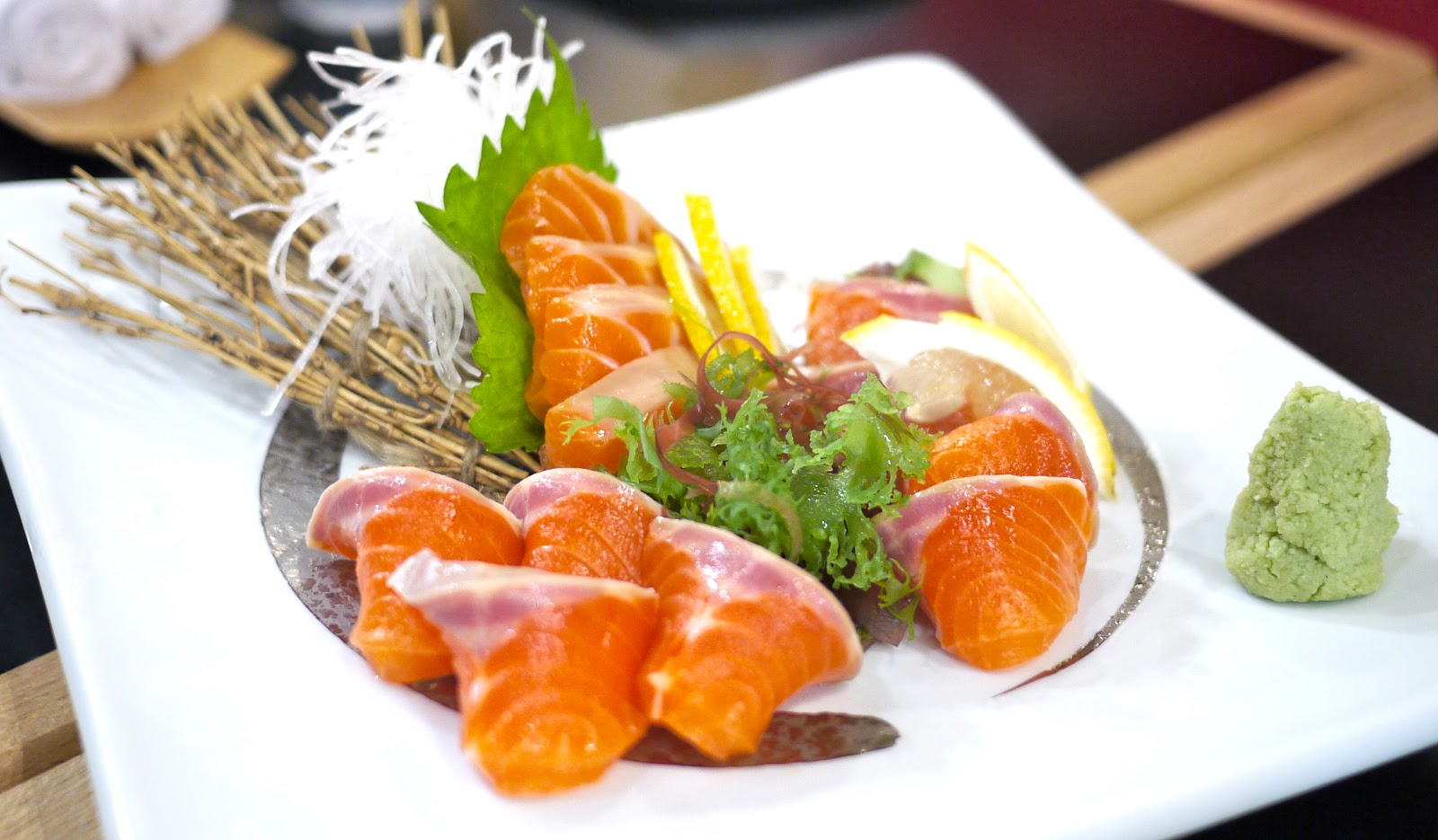 how to choose fresh salmon sashimi