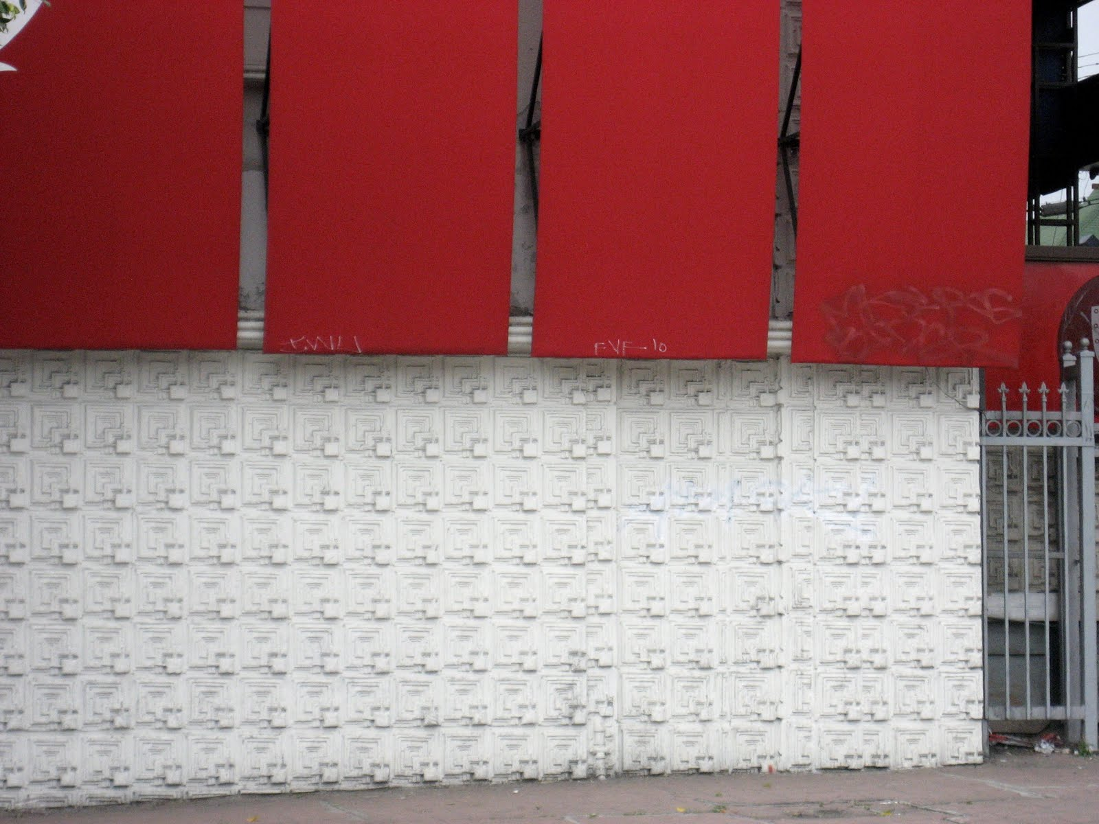 The ultimate examples of textured walls in Los Angeles from the 1920's are ...