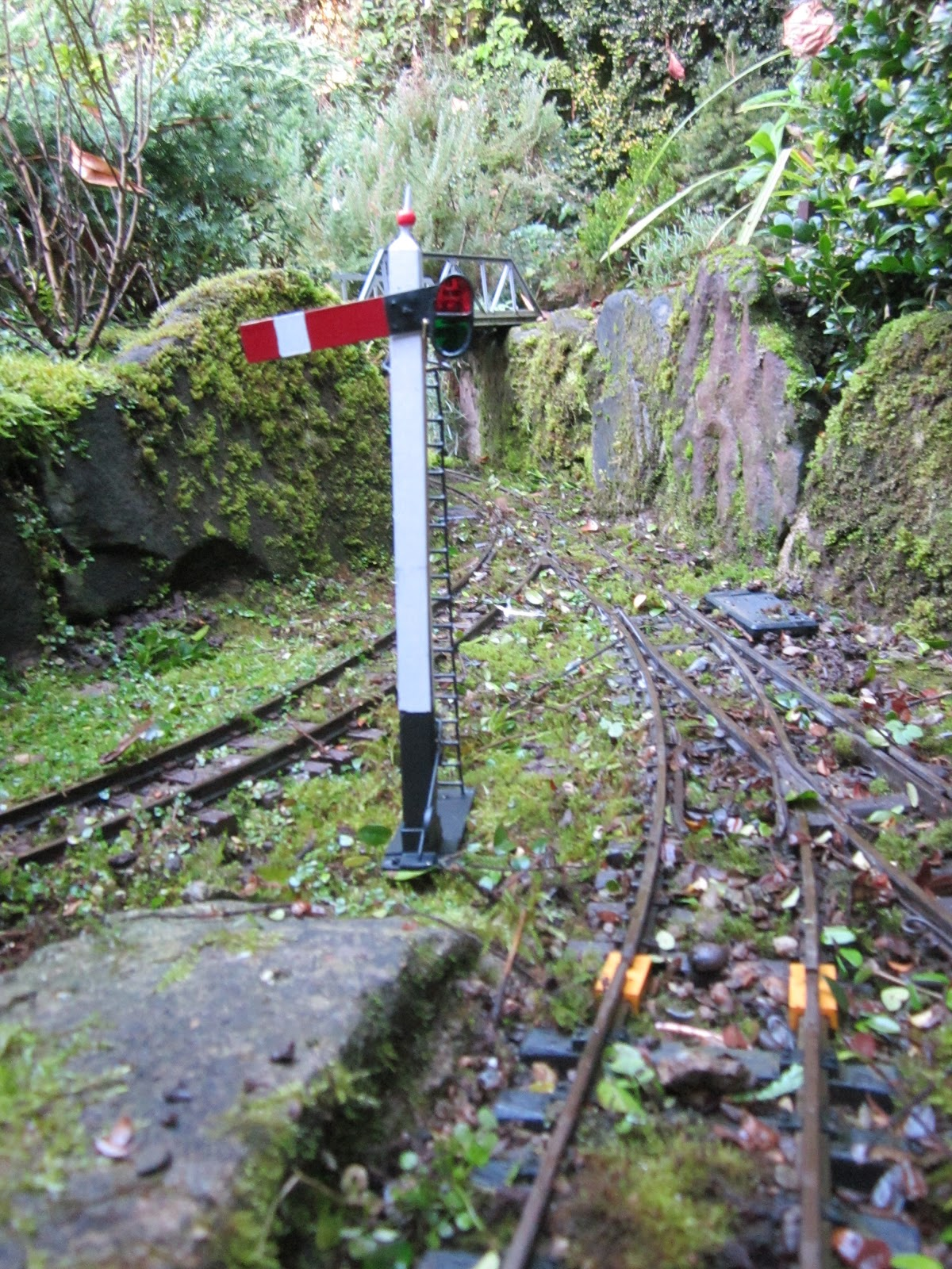 "Peckforton Light Railway: How to build a garden railway (or ""If I knew ..."