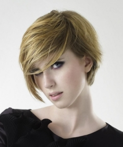 Short Asymmetric Bob Haircut