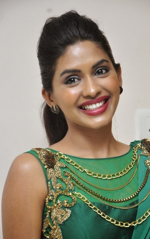 Actress Anjali Patil New Pics