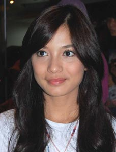 "<a href="" http://3.bp.blogspot.com/-UyvJHQAuAT8/UVPQQmfjQ2I/AAAAAAAACE8/BjhidNIqsAY/s1600/Artis+Jago+Beladiri+_chelsea+olivia.jpg""><img alt=""5 Artis Cantik Indonesia Jago Beladiri,sudah seksi jago berkelahi, Chelsea Olivia jago muay thai"" src=""http://3.bp.blogspot.com/-UyvJHQAuAT8/UVPQQmfjQ2I/AAAAAAAACE8/BjhidNIqsAY/s1600/Artis+Jago+Beladiri+_chelsea+olivia.jpg""/></a>"