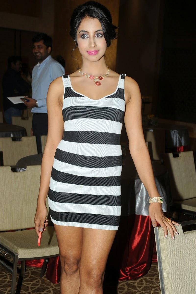 Sanjana latest glam pics-HQ-Photo-9