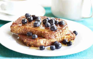 Wholemeal French Toast with Maple Syrup and Blueberries