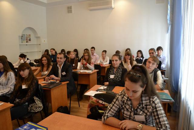 """Робота Всеукраїнської конференції """"Студентське самоврядування - шлях до демократії""""."""