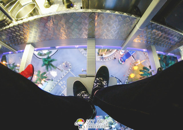 A little platform to support your legs at #dinnerinthesky