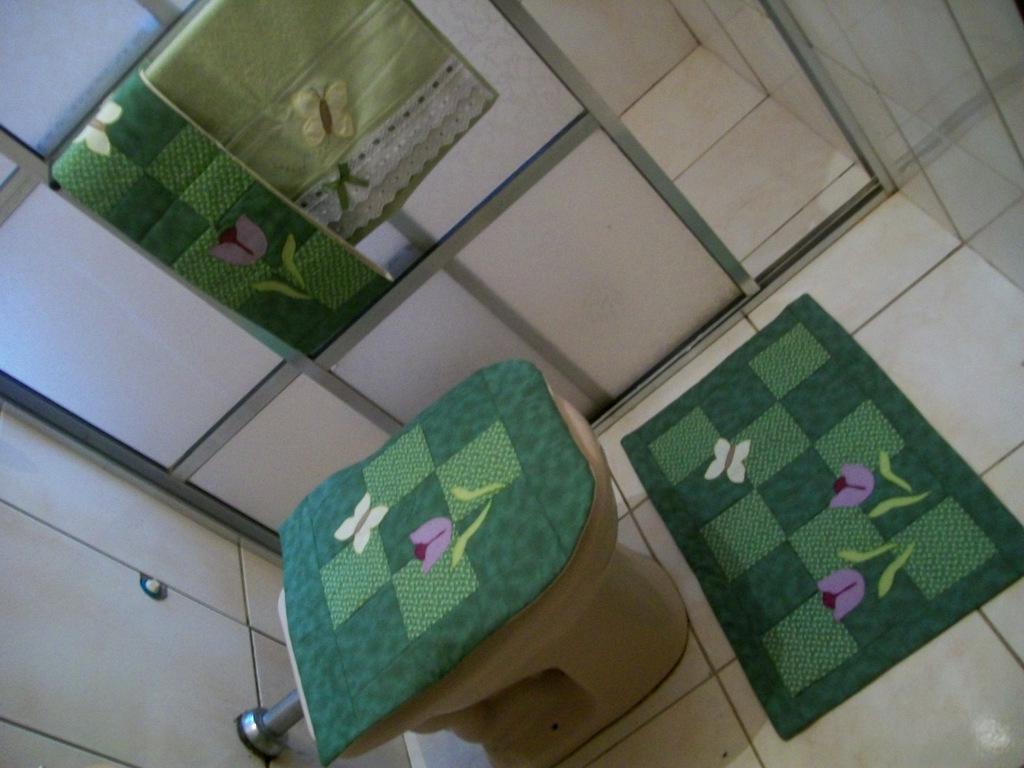 Patchwork Tapete De Banheiro : Porta papel higi?nico, para dois rolos de at? 60mts.