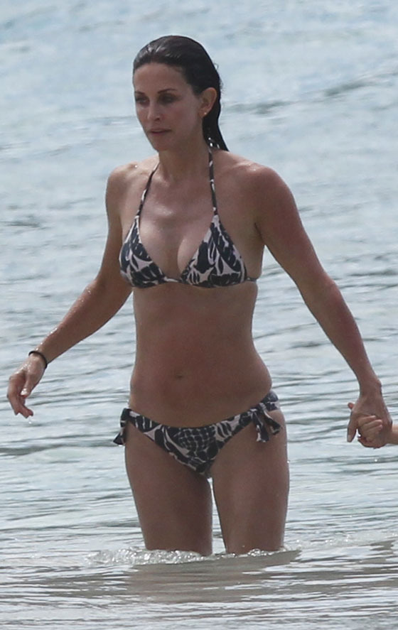courtney cox bikini Milf Monday: Courtney Cox