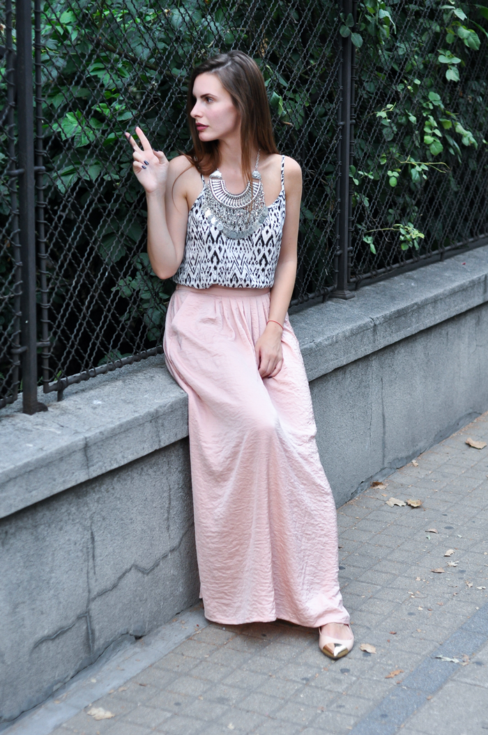aleksandra skorupan, velvet and milk blog, street style, statement necklace
