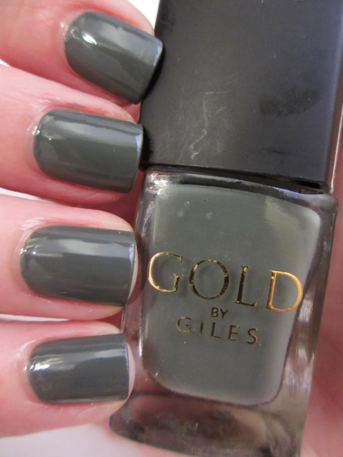 New-Look-Green-nail-polish-salute-nail-art